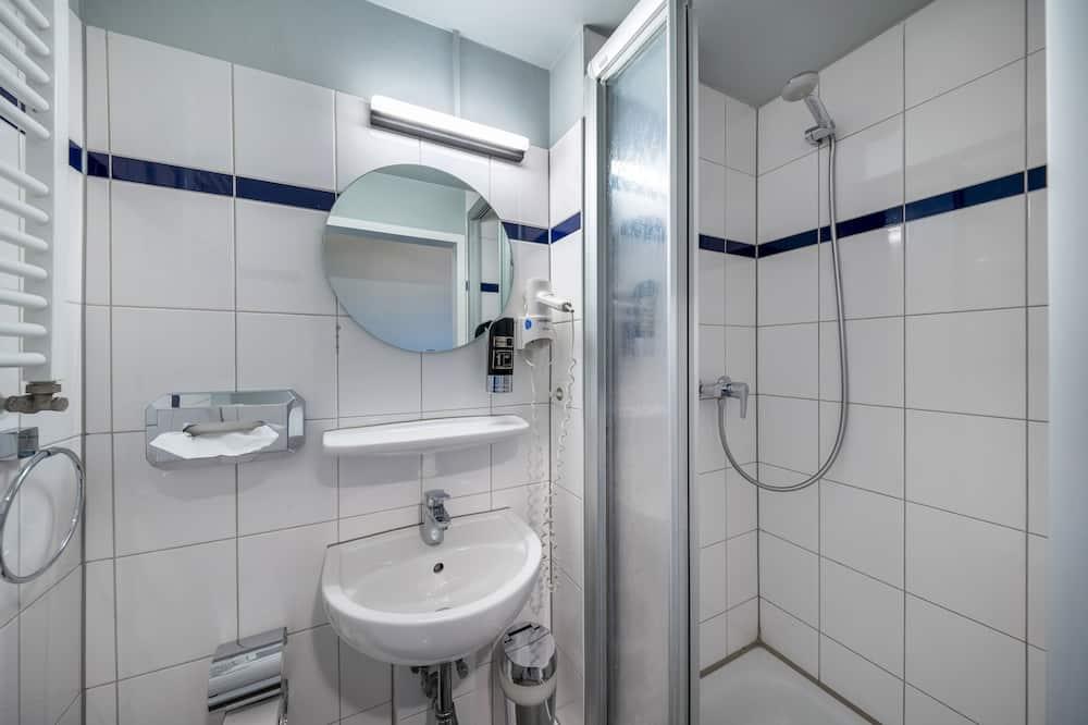 Dormitorio compartido (1 bed in a shared dorm for 6) - Baño