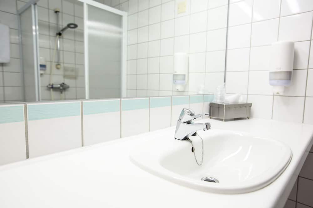Standard Room, 1 Katil Kelamin (Double), Non Smoking - Bilik mandi