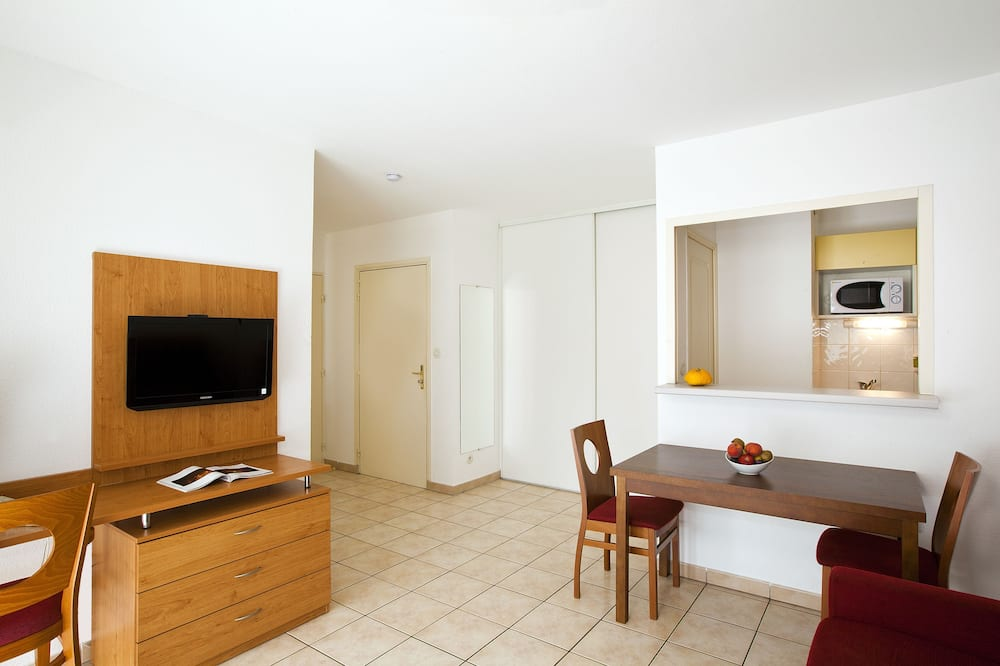 1 Studio for 2 - Living Room