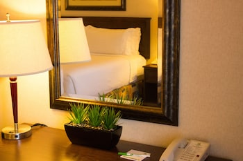Nuotrauka: Holiday Inn Hotel & Suites West Edmonton, Edmontonas