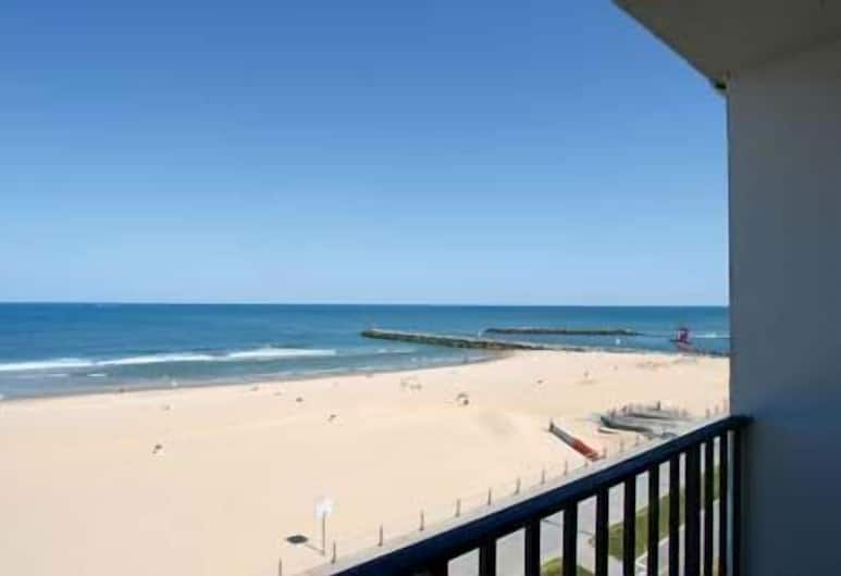 Schooner Inn, Virginia Beach, Standard tuba, 2 kahevoodit, kööginurgaga, asukoht ookeani kaldal, Vaade toast