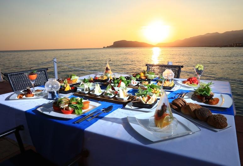 LABRANDA Alantur Resort - All Inclusive, Alanya, Restaurante al aire libre