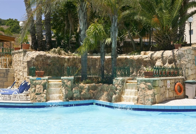 Porto Azzurro Aparthotel, St. Paul's Bay, Outdoor Pool