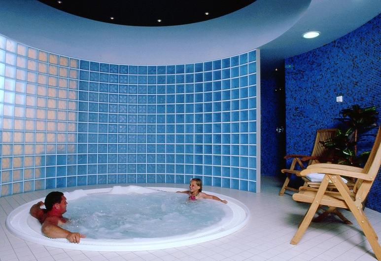 Grand Hotel Viljandi, Viljandi, Indoor Spa Tub