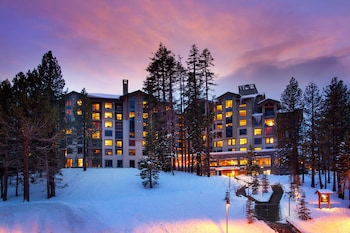 Enter your dates for special Mammoth Lakes last minute prices