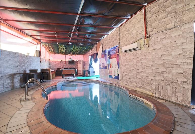 OYO 367 Eureka Hotel, Dubajus, Baseinas