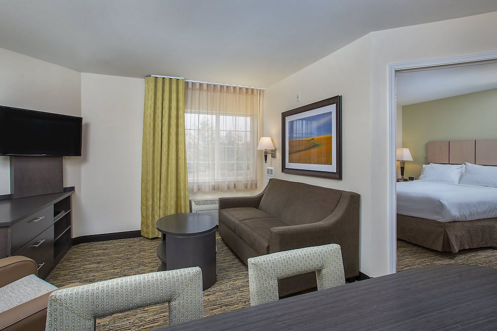 ห้องสวีท, 1 ห้องนอน - พื้นที่นั่งเล่น