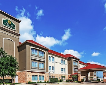 Picture of La Quinta Inn & Suites Houston - Westchase in Houston