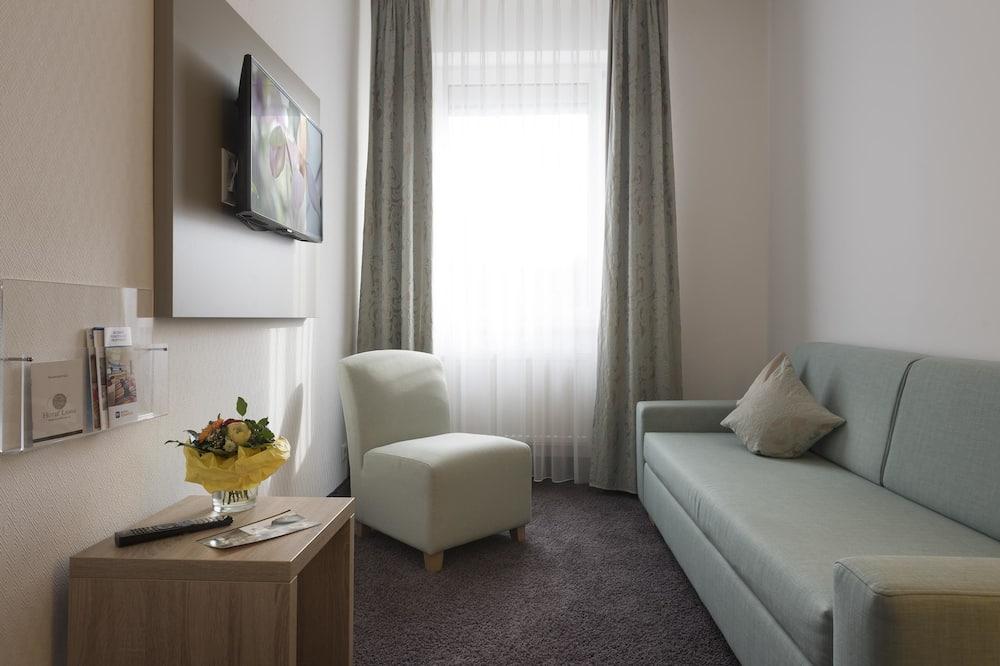 Suite, 1 Double Bed (Cozy Sitting Corner) - Living Area
