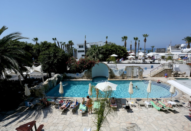 Dionysos Central Hotel, Paphos, Piscina Exterior