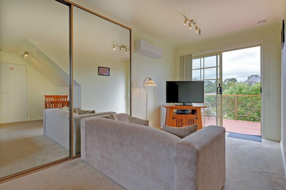 Standard Studio, Non Smoking, Kitchenette (Loft Studio) - Living Area