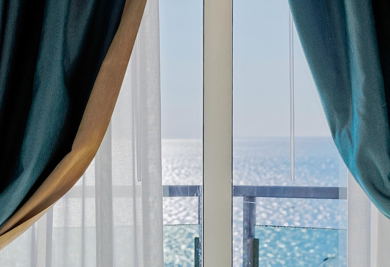 Mediterranea Hotel & Convention Center, Salerno, Superior Double Room, Guest Room View