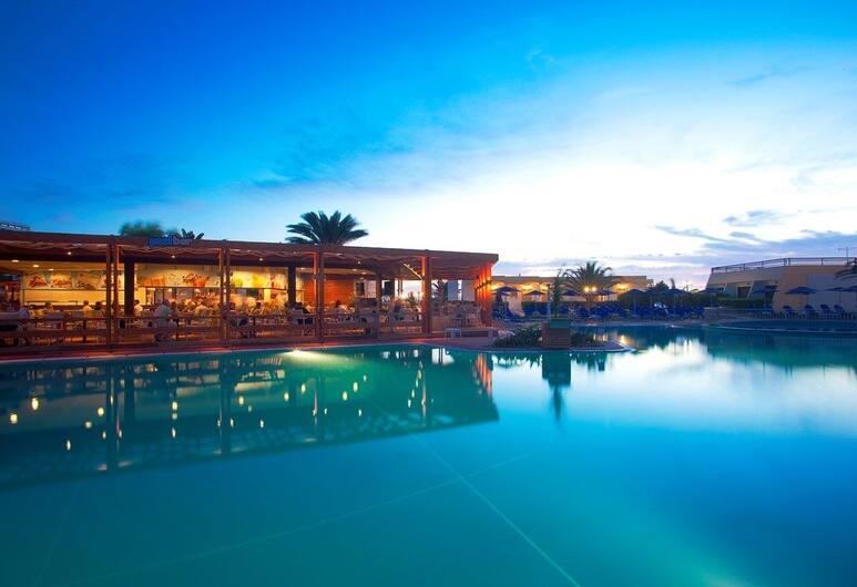 Cosmopolitan Hotel - All Inclusive, Rodas, Bar junto a la alberca