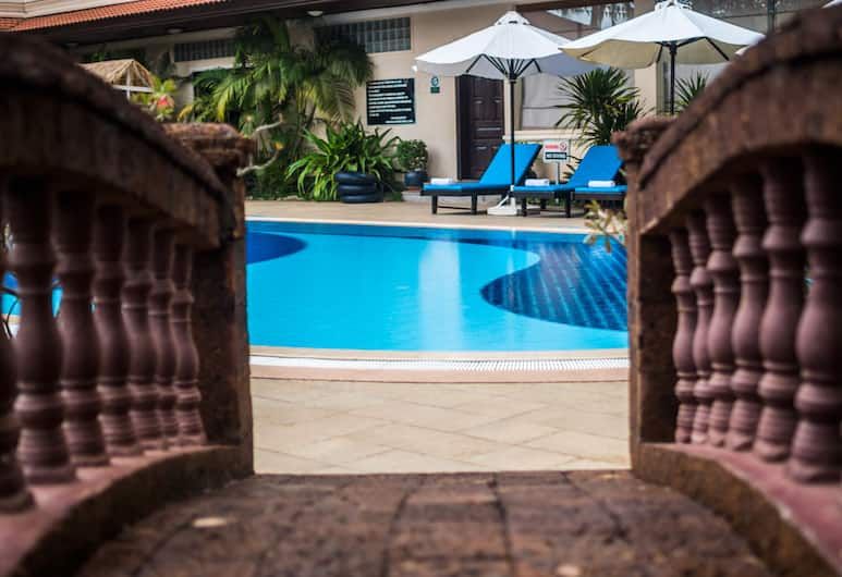 Khemara Angkor Hotel & Spa, Siem Reap, Outdoor Pool