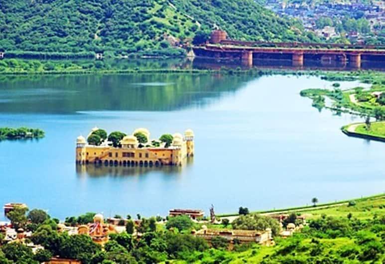 Royal Orchid Central Jaipur, Jaipur, Quarto luxo, Vista (do quarto)