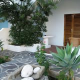 Double Room, 1 Double or 2 Twin Beds, Garden View - Lanai