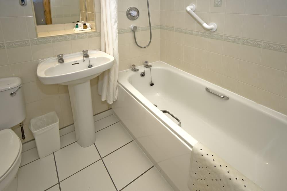 Štandardná izba, 2 jednolôžka, bezbariérová izba, nefajčiarska izba - Kúpeľňa