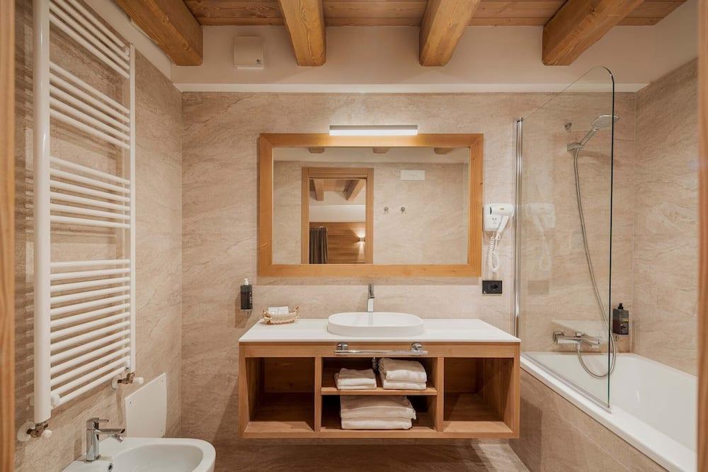 Deluxe-værelse til 3 personer - bjergudsigt - Badeværelse