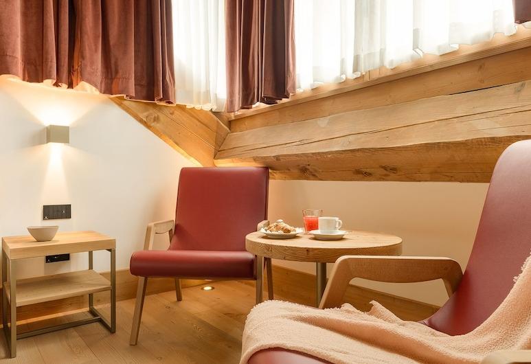 Hotel Royal, Cortina d'Ampezzo, Suite de lujo, vistas a la montaña, Habitación