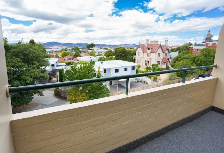 St Ives Apartments, Battery Point, Deluxe Two Bedroom Apartment, Balcony