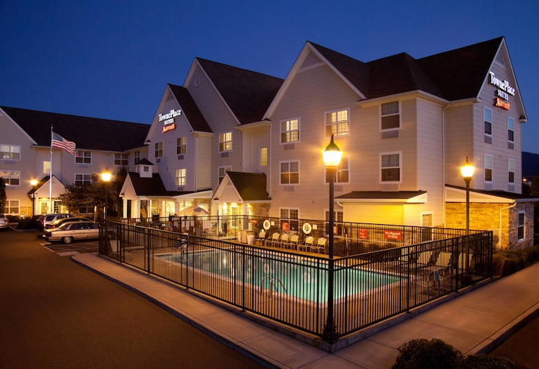 TownePlace Suites by Marriott Medford, Medford, Exterior
