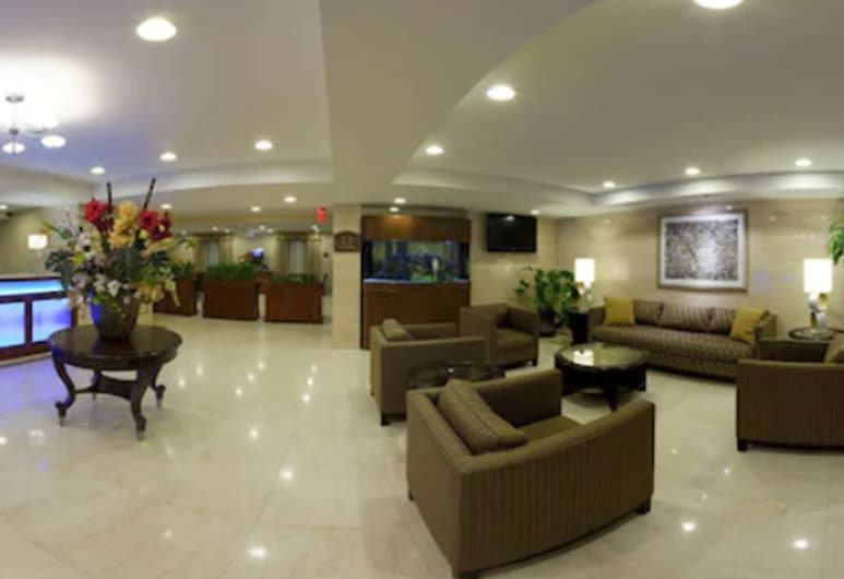 Holiday Inn Express Maspeth, Maspeth, Sala de estar en el lobby