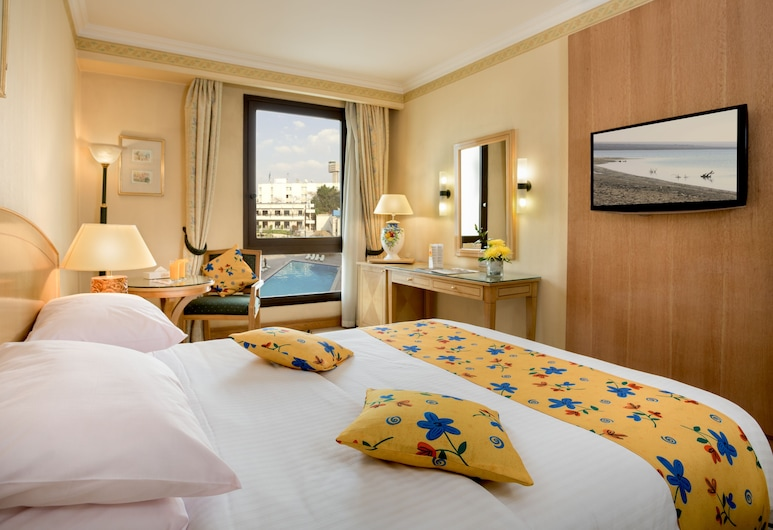 Le Passage Cairo Hotel & Casino, Cairo, Deluxe Room, Pool View, Guest Room