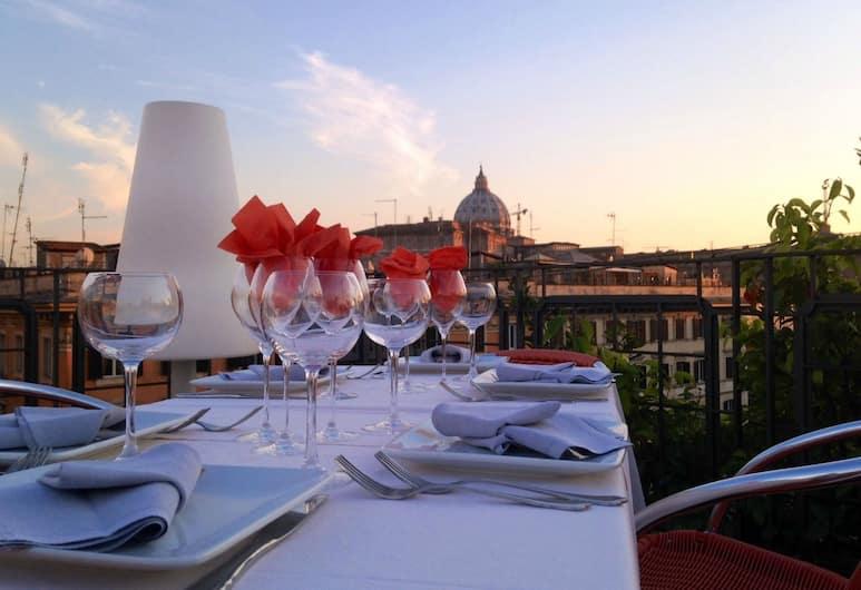 Orange Hotel, Roma