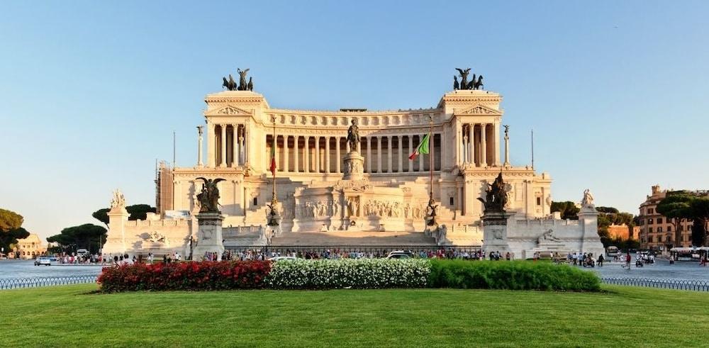 Orange Hotel, Rome, Nearby
