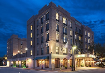 Savana bölgesindeki Holiday Inn Savannah Historic District resmi