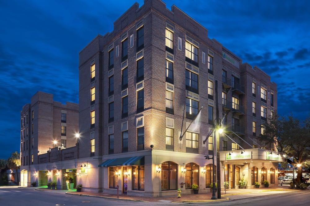 Holiday Inn Savannah Historic District, an IHG Hotel