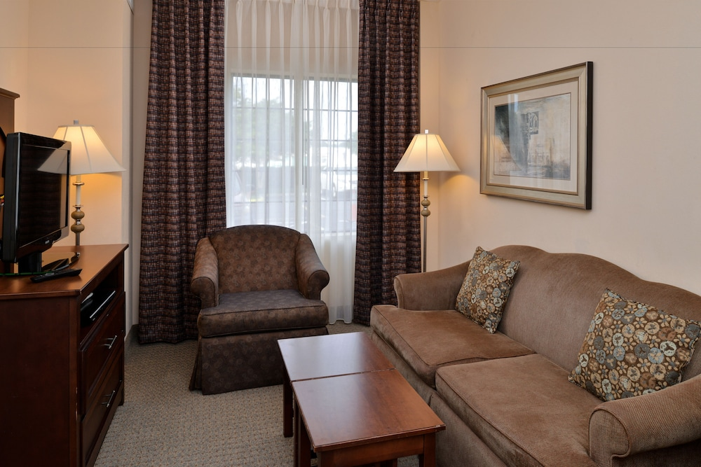 Book Staybridge Suites Chesapeake in Chesapeake | Hotels.com