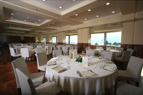 Grand Hotel Salerno In Salerno Hotels Com
