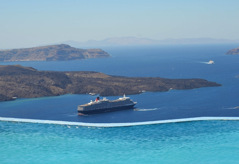 Suites of the Gods Cave Spa, Santorini, Infinity Pool