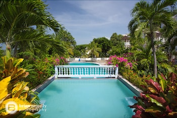 Picture of Columbus Heights Condominiums in Ocho Rios