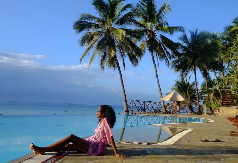 Voyager Beach Resort, Mombasa, Außenpool