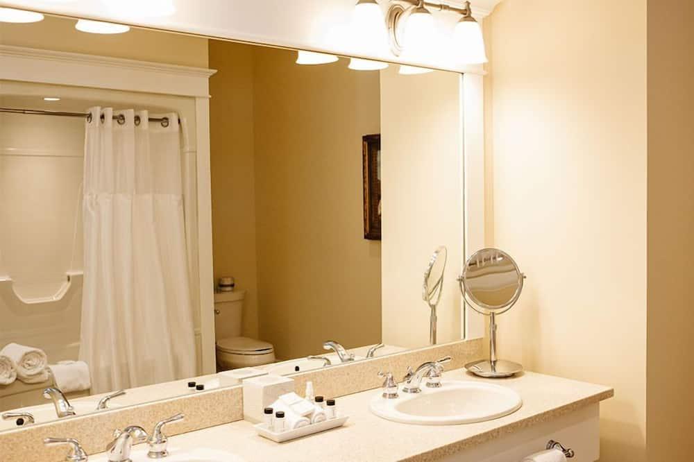 Premier Room, 1 Queen Bed - Bathroom
