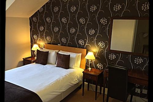 懷特維爾諾爾酒店/
