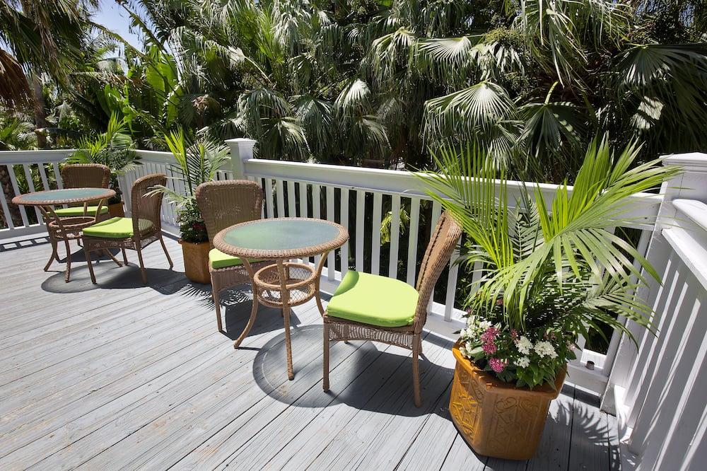 Premium Room, 1 King Bed - Adult Exclusive - Balcon