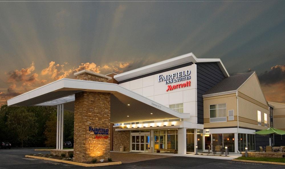 Fairfield Inn Suites By Marriott Chesapeake Suffolk