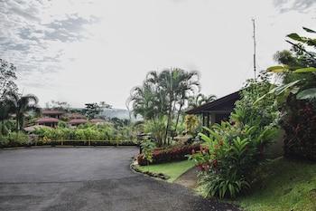 Mynd af Arenal Volcano Inn í La Fortuna