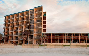 Picture of The Oceanfront Litchfield Inn in Pawleys Island