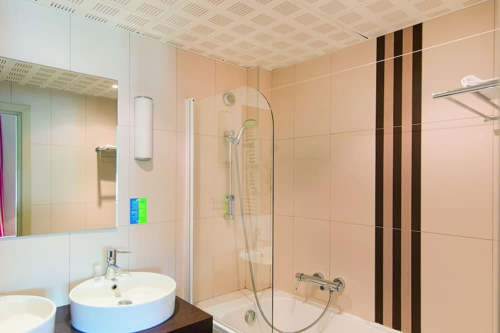 Double or Twin Room, Sea View (Privilege) - Bathroom