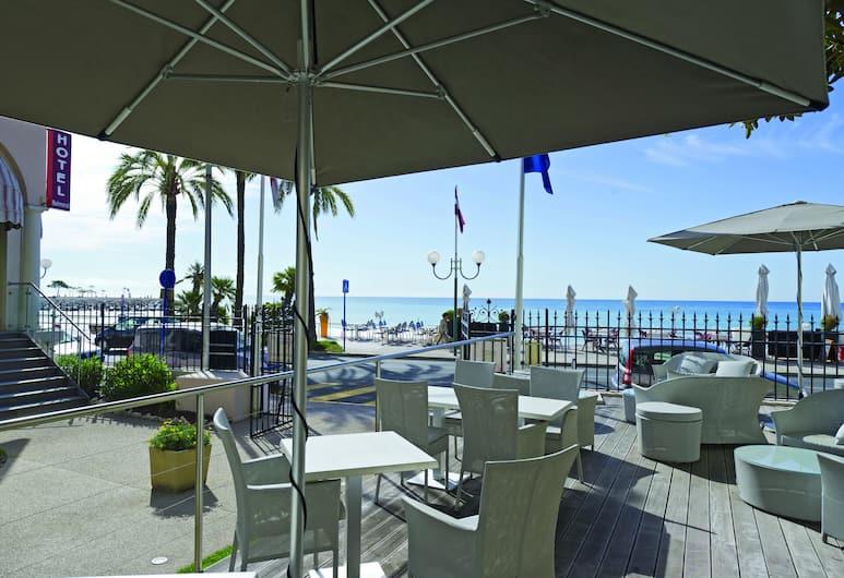 Hôtel Club Vacances Bleues Le Balmoral, Mentone, Terrazza/Patio