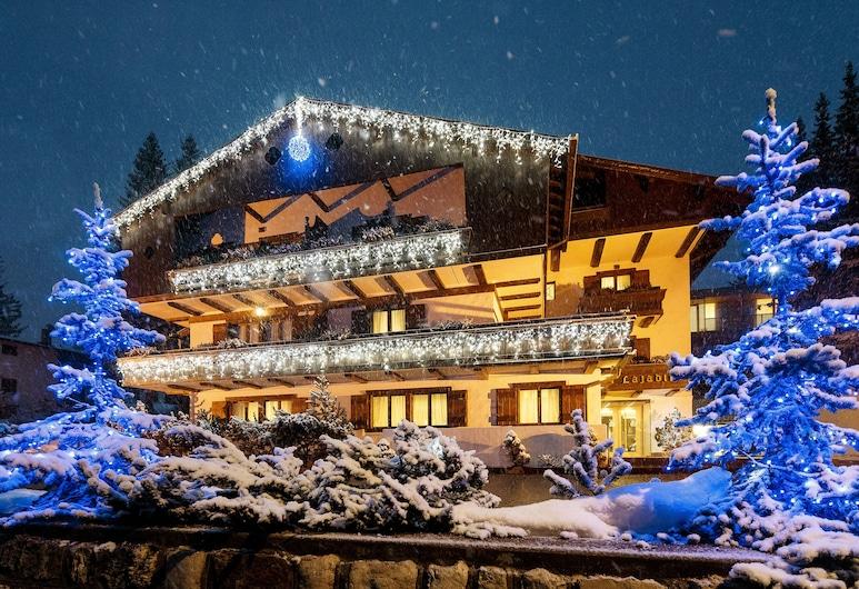 Lajadira Hotel & Spa, Cortina d'Ampezzo, Hotel Front – Evening/Night