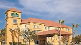 Choose This Business Hotel in Fresno -  - Online Room Reservations