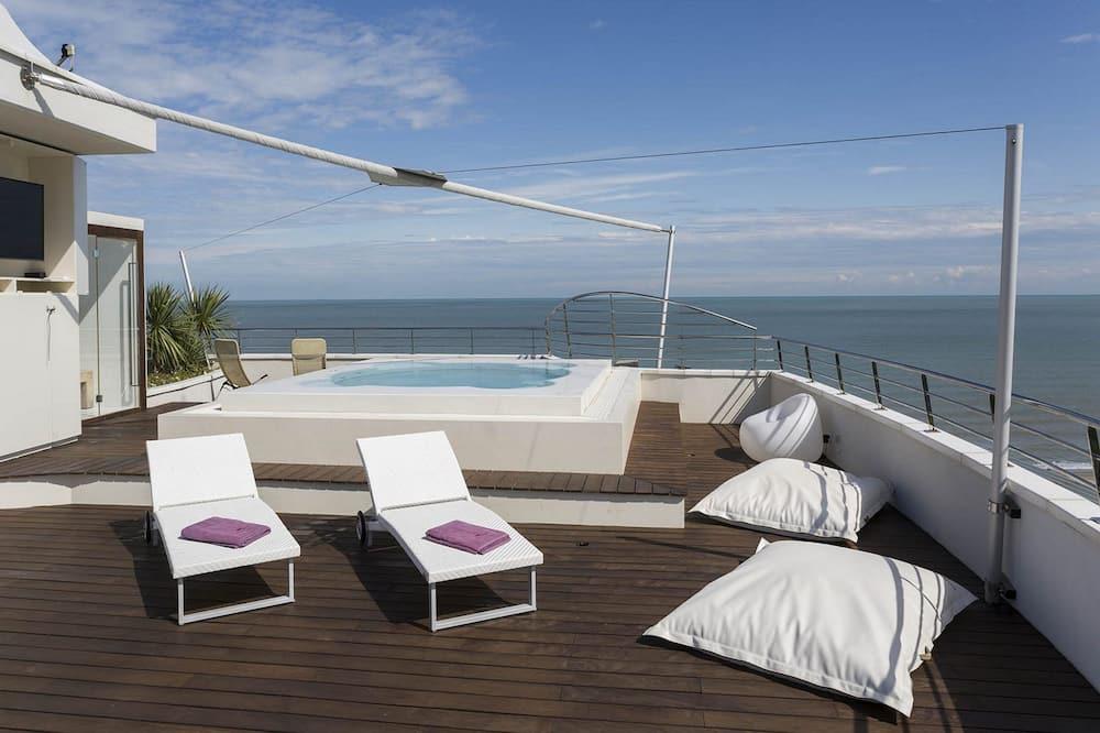 Penthouse, 2 Bedrooms - Terrace/Patio