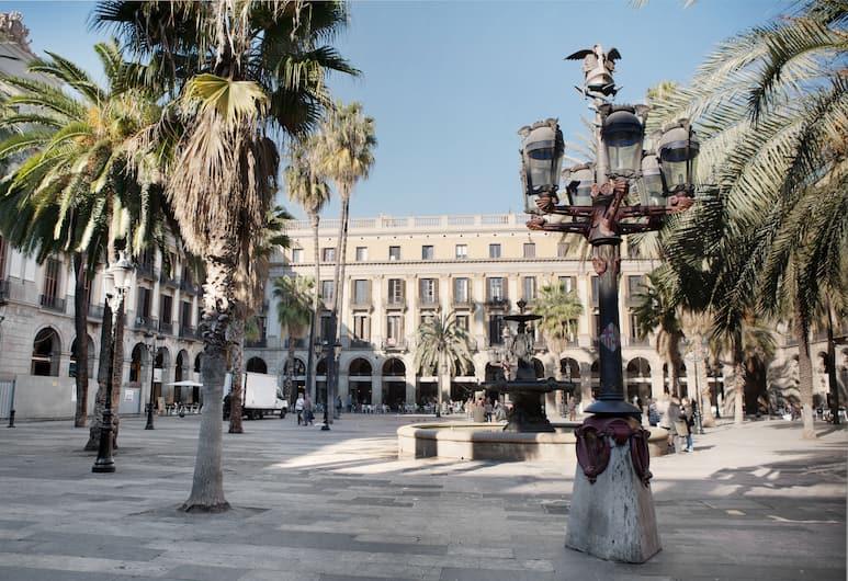 Onix Liceo, Barcelone, Extérieur