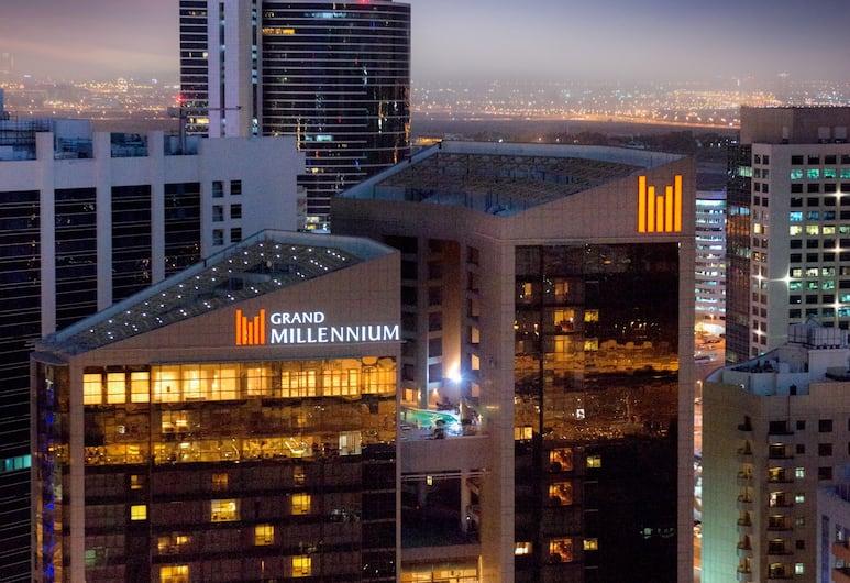 Grand Millennium Dubai, Dubai, Hotel Front – Evening/Night
