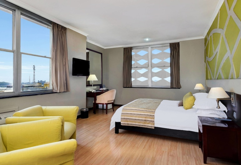 Protea Hotel by Marriott Lusaka Cairo Road, Lusaka, Suite, 1 Bedroom, City View, Guest Room